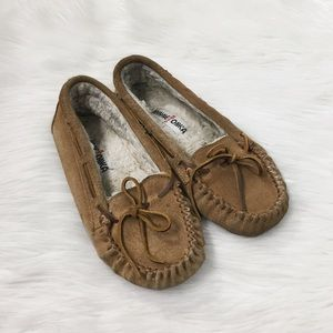 Minnetonka Tan Suede Moccasin Slippers Shoes